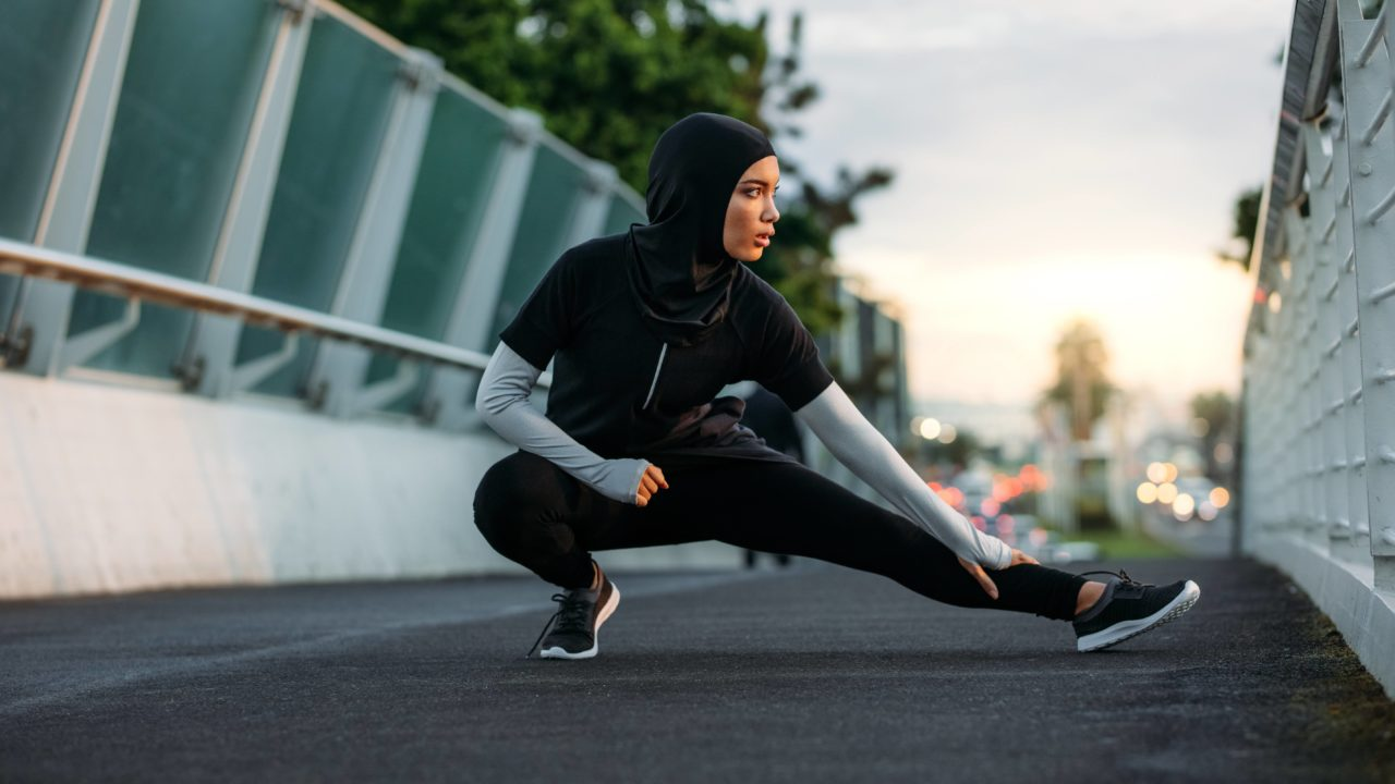 https://www.livehealthymag.com/wp-content/uploads/2019/05/hijab-exercising-1280x720.jpg