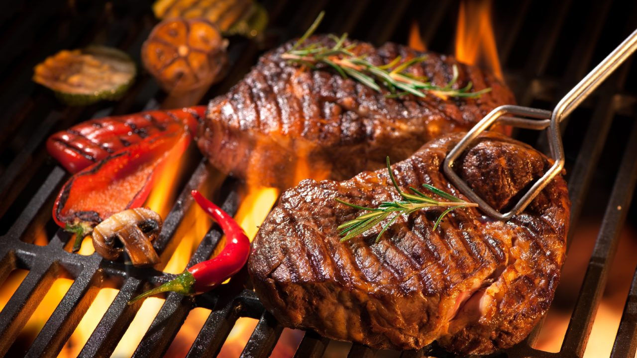 https://livehealthy.ae/wp-content/uploads/2019/10/steak-1280x720.jpg