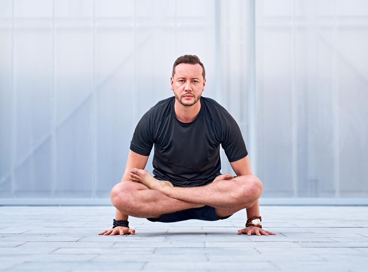 Allaoua Gaham yoga for men