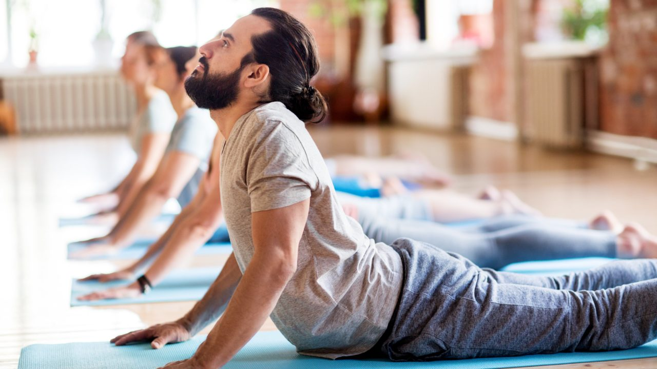 https://livehealthy.ae/wp-content/uploads/2019/11/yoga-for-men-1280x720.jpg