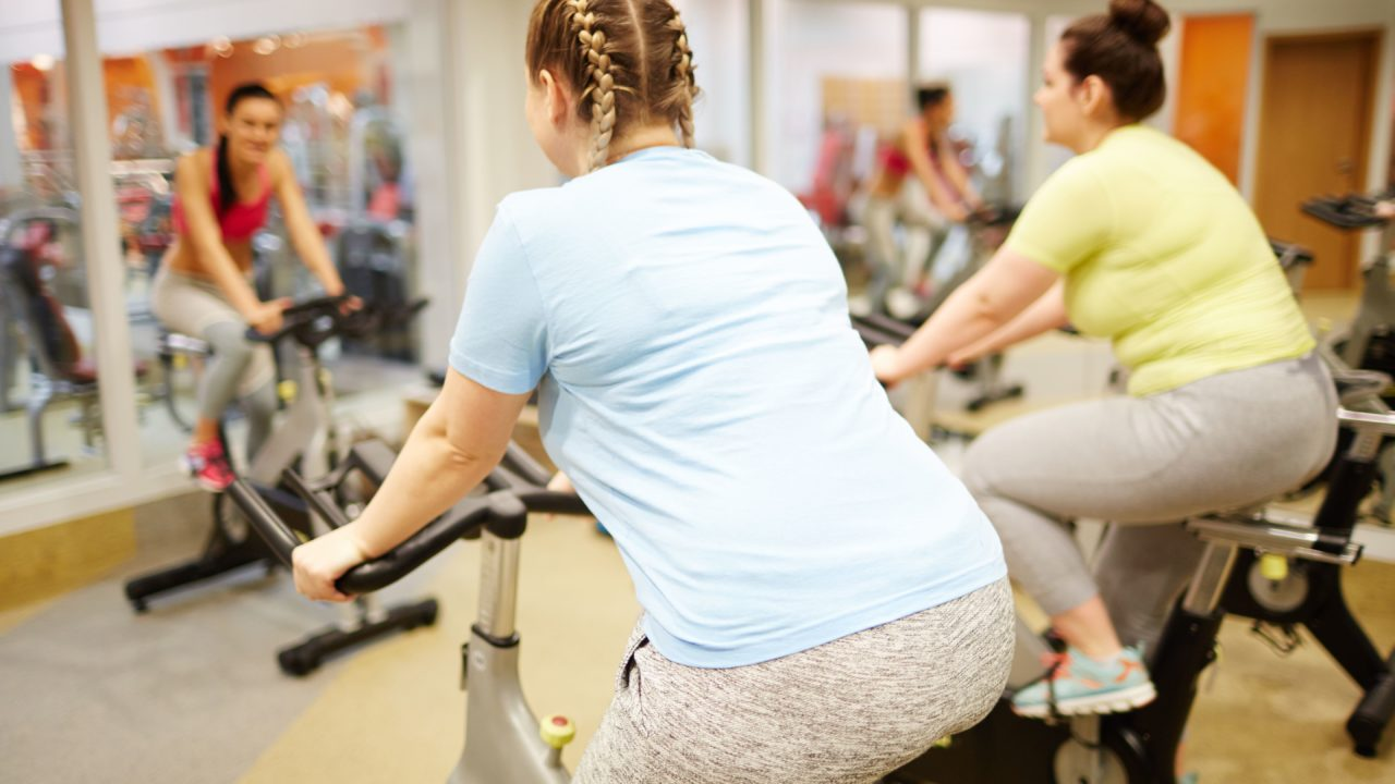 https://livehealthy.ae/wp-content/uploads/2019/12/indoor-cycling-1280x720.jpg