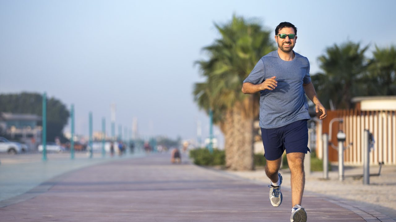 https://livehealthy.ae/wp-content/uploads/2019/12/running-dubai-1280x720.jpg