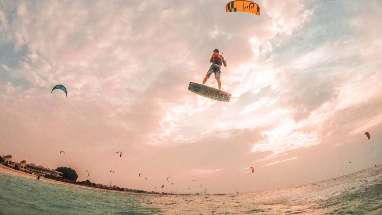 https://livehealthy.ae/wp-content/uploads/2020/01/Kite-n-Surf-main-1280x720.jpg