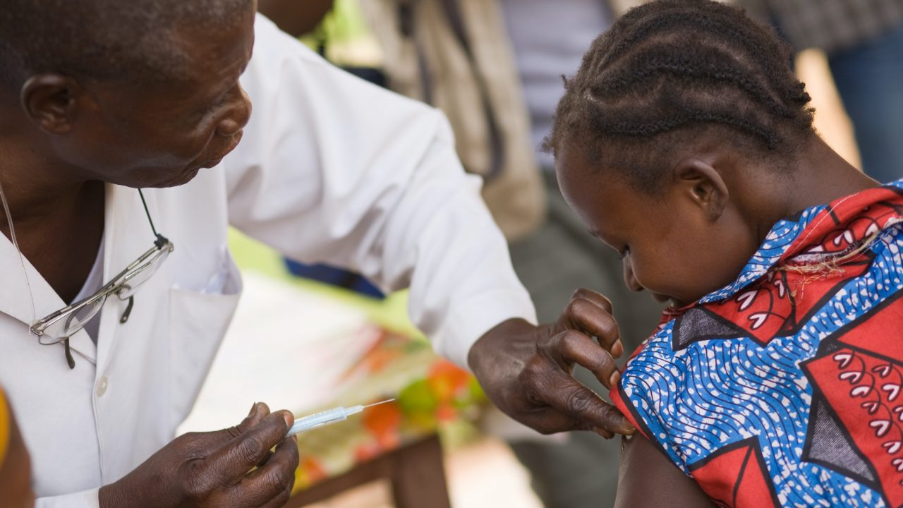 https://www.livehealthymag.com/wp-content/uploads/2021/03/vaccination-africa-1280x720.jpg